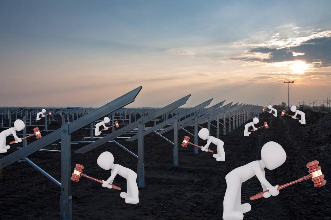 El MITECO celebra la primera subasta renovable del periodo 2020-2025 para facilitar la acción climática y reducir la factura eléctrica.