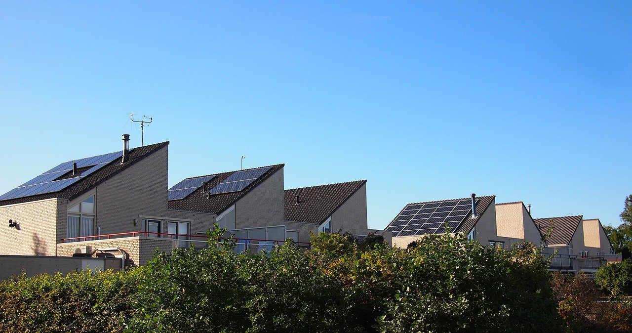 Amigos de la Tierra lanza una Guía para crear Comunidades Energéticas e impulsar la energía comunitaria renovable