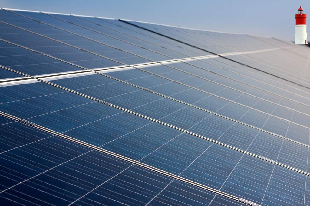 Ayuntamiento, empresas y vecinos pactan un protocolo pionero para instalar fotovoltaicas sin dañar el paisaje