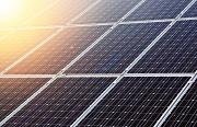 Se firman en El salvador los primeros contratos exclusivos para el suministro con energías renovables.