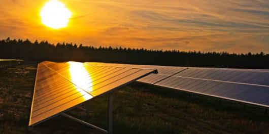 Costa Rica implanta un plan piloto de generación distribuida para autoconsumo con energías renovables.