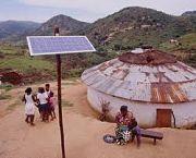 Revolución solar en aldeas africanas: la sustitución del combustible fósil mejora la calidad de vida.